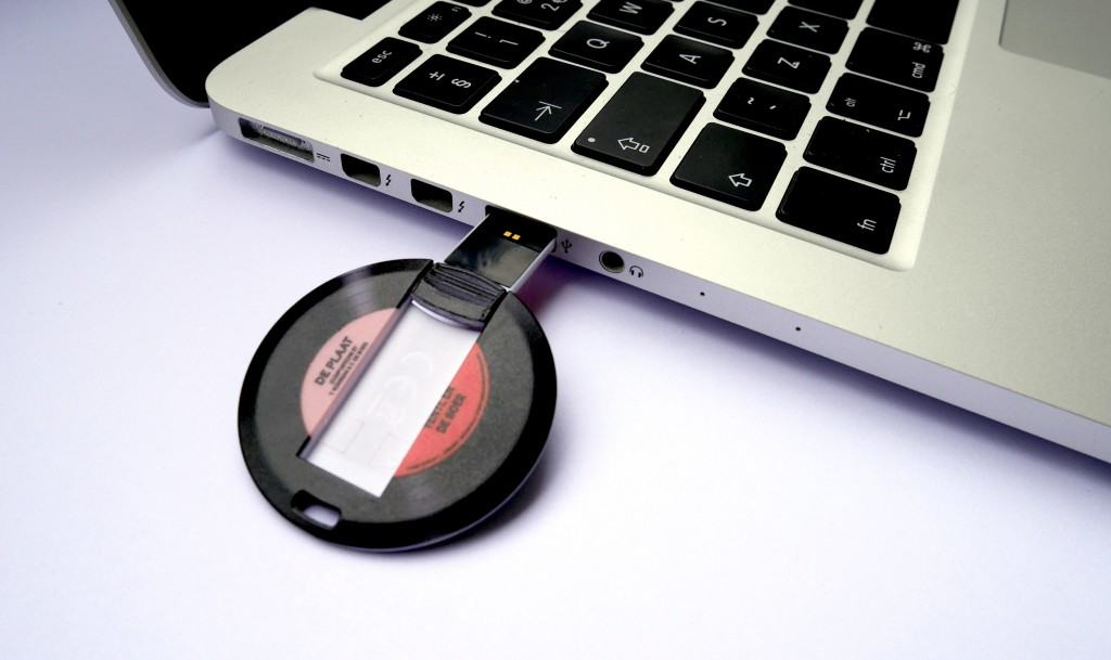 De Plaat van Yentl en de Boer, CD op USB-stick in laptop